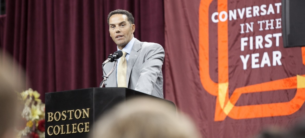 Steve Pemberton addresses the Class of 2020 at First Year Academic Convocation.
