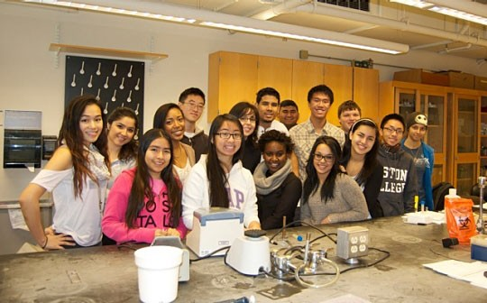 Gateway students in lab