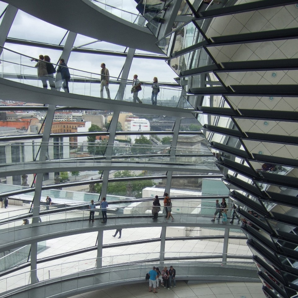 In der Kuppel vom Reichstag, Berlin, Germany - Photo: Anastasia Zander