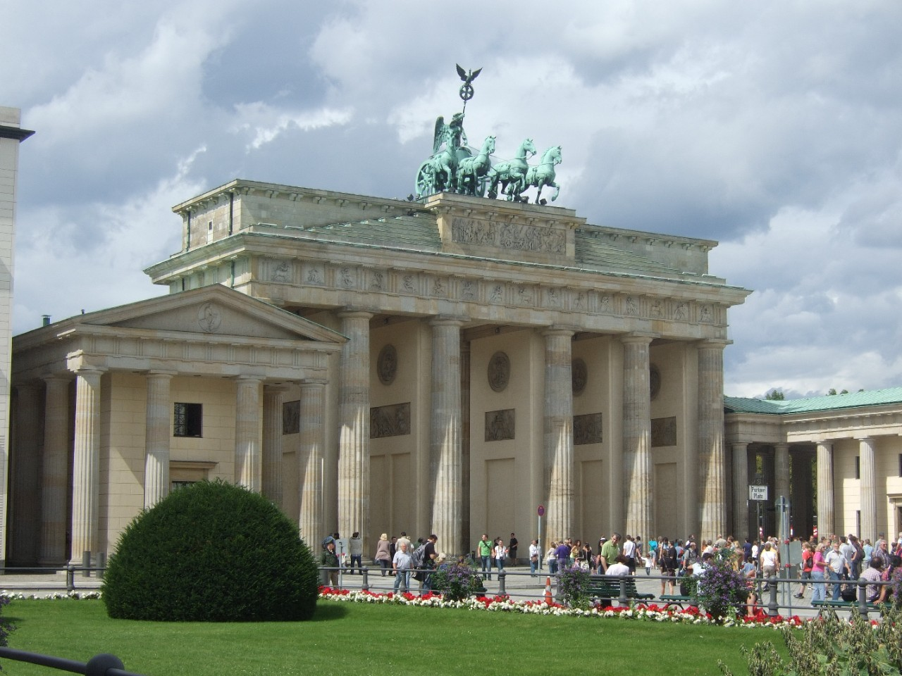 Brandenburger Tor in Berlin, Germany - Photo: Anastasia Zander