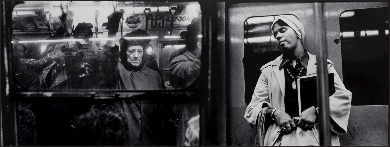 Alen MacWeeney (1939–), Untitled (from New York Subway), 1977. McMullen Museum of Art, Boston College, Gift of Souren Ouzounian, 2016