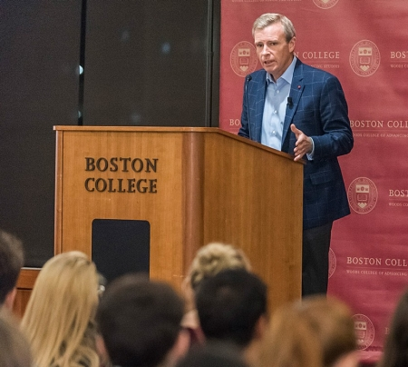 The Woods College Manresa Experience included a guest appearance by ESPN national correspondent Tom Rinaldi, author of 'The Red Bandanna.'