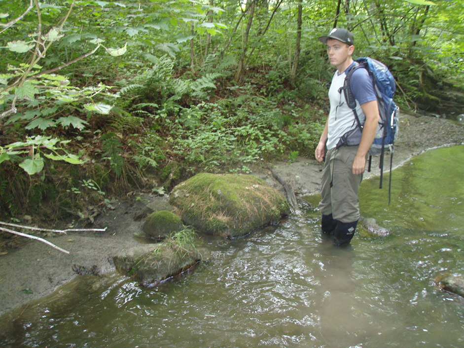 Prof. Noah Snyder and students study rivers in Maine